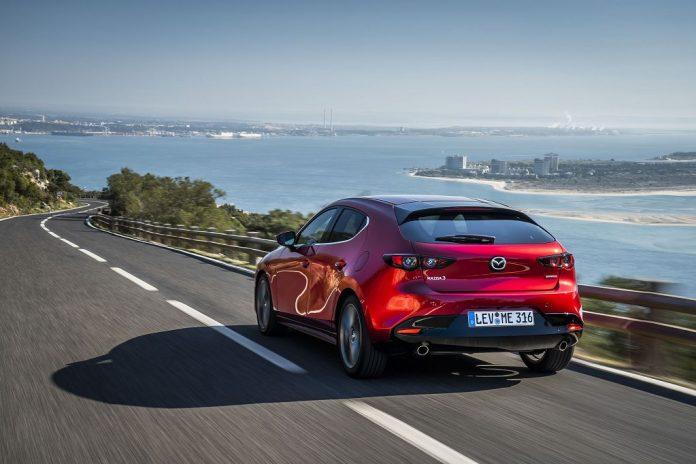 Der neue Mazda3 ist bereits in der Basisausstattung so umfangreich ausgestattet wie nie zuvor (Bildquelle: Mazda)