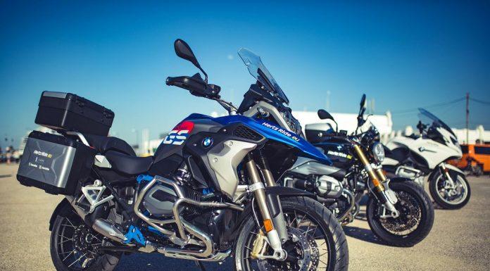Der Mietwagenanbieter Rienhoff bietet ab 1. April auch Mobilität für Biker (Bildquelle: Hertz/Roman Brauner)