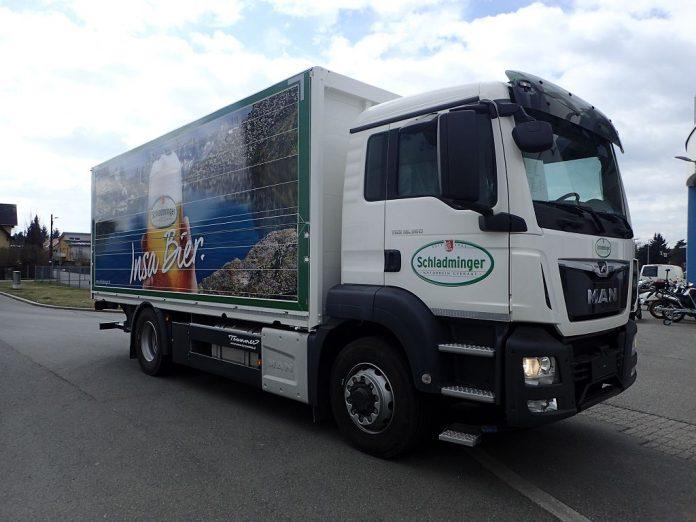 Biertransporter werden mit Abbiegeassistenten ausgestattet