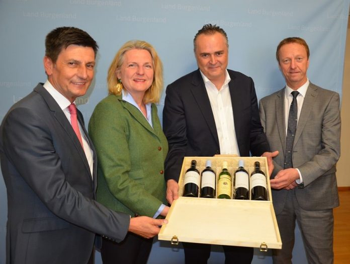 Außenministerin Karin Kneissl zu Besuch im Burgenland
