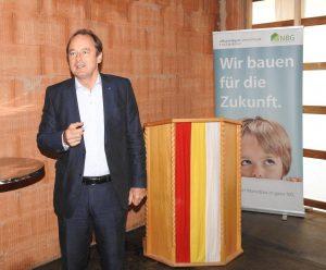 LAbg. Martin Michalitsch bei seiner Festrede in Herzogenburg <small>(Bildquelle: Thomas Resch)</small>