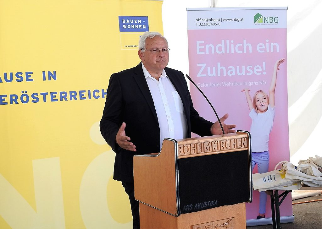 Böheimkirchen: Schlüsselübergabe der NBG für 28 Wohnungen und acht Reihenhäuser