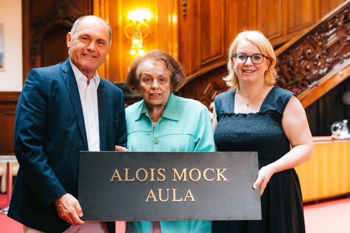 Eigene Aula: Würdigung für Alois Mock