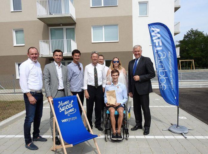 Deutsch Wagram: WET übergibt Schlüssel für Junges Wohnen