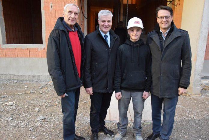Amstetten: Dachgleiche für Wohnhausanlage gefeiert