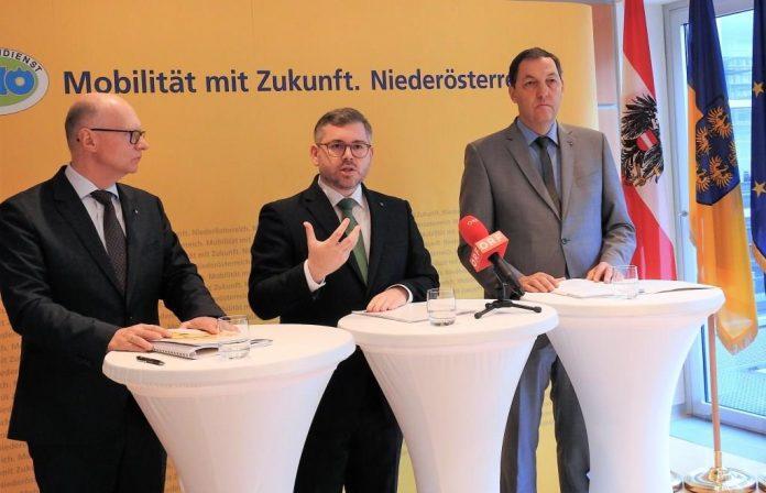 (v.l.n.r.): : Landesverkehrsplaner Werner Pracherstorfer, Landesrat Ludwig Schleritzko und Straßenbaudirektor Josef Decker bei der Pressekonferenz