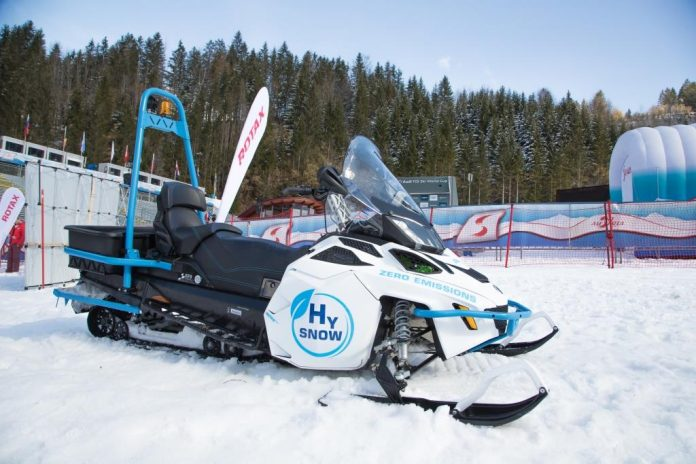 Lynx HySnow - Das erste mit Wasserstoff-Brennstoffzellen betriebene Schneefahrzeug aus dem Hause Rotax