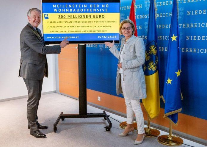 (v.l.n.r.): Landesrat Martin Eichtinger und Landeshauptfrau Johanna Mikl-Leitner
