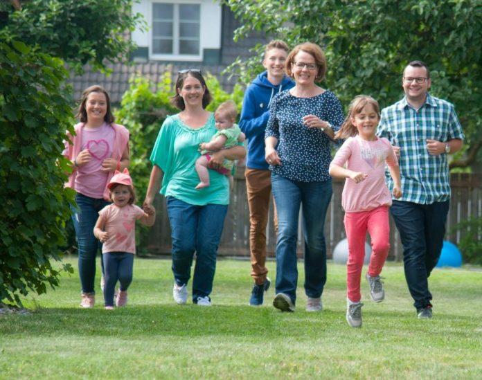Familien-Landesrätin Christiane Teschl-Hofmeister betont anlässlich des bevorstehenden Internationalen Tages der Familie den Wert familienfreundlicher Strukturen und Projekte
