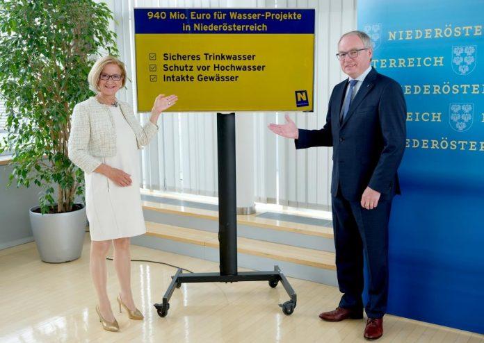 Landeshauptfrau Johanna Mikl-Leitner und LH-Stellvertreter Stephan Pernkopf stellten heute ein Maßnahmenpaket für Wasser-Projekte in Höhe von 940 Millionen Euro vor