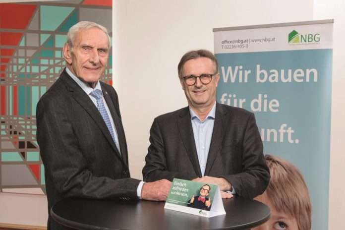 (v.l.n.r.): Dir. Walter Mayr und Dir. Mag. Manfred Fabsits