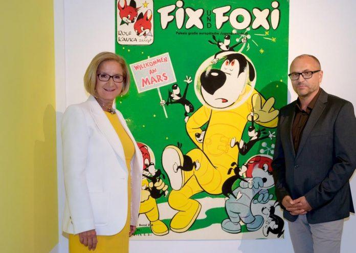 (v.l.n.r.): Landeshauptfrau Johanna Mikl-Leitner und Gottfried Gusenbauer, künstlerischer Direktor Karikaturmuseum Krems