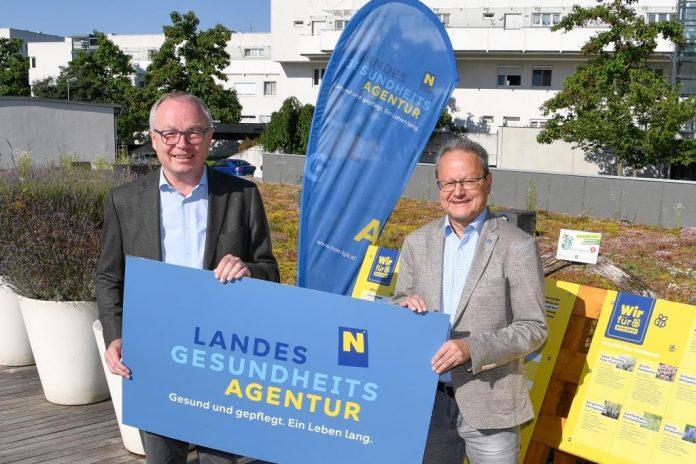 (v.l.n.r.): LH-Stv. Stephan Pernkopf und Helmut Krenn, Vorstand der NÖ Landesgesundheitsagentur freuen sich über eine erfolgreiche Kooperation (Bildquelle: NLK Reinberger)