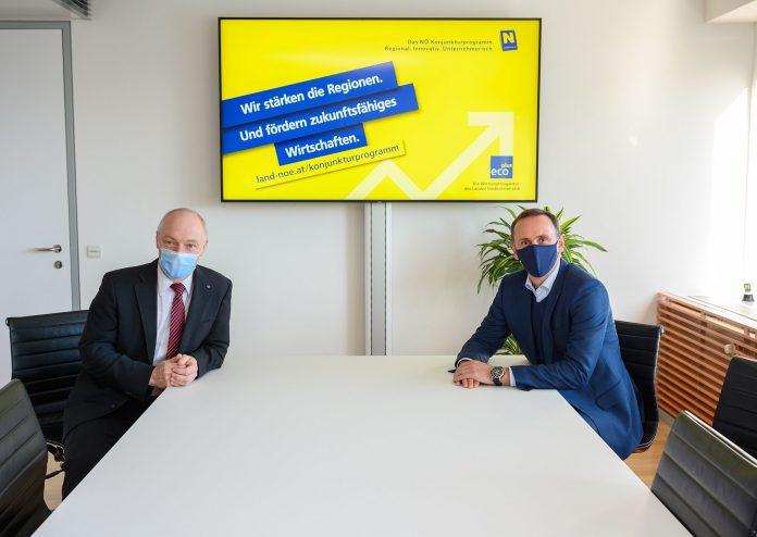 (v.l.n.r.): ecoplus Geschäftsführer Helmut Miernicki und Wirtschaftslandesrat Jochen Danninger