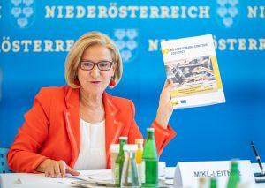 LH Johanna Mikl-Leitner präsentierte die Arbeitsmarktstrategie 2021-2027 (Bildquelle: NLK Filzwieser)