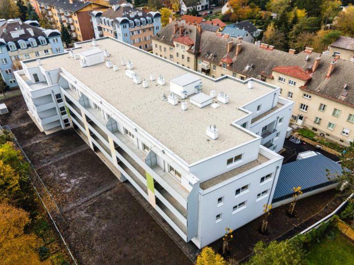 Die neue Wohnhausanlage der WETgruppe in Groß-Enzersdorf, Lobaustraße 5a (Bildquelle: Herz und Auge Fotografie /Stefan Seyfert)