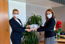 (v.l.n.r.): Arbeitsministerin Christine Aschbacher (ÖVP) übernimmt die Vorschläge zu Home-Office von NÖAAB Landesobfrau Christiane Teschl-Hofmeister (Bildquelle: NÖAAB)