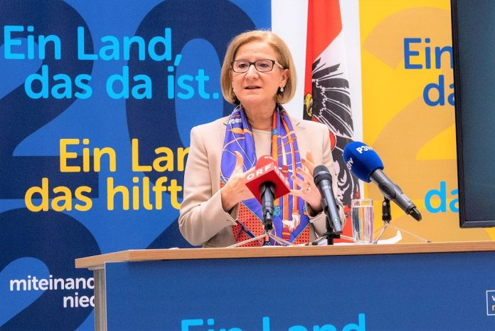 Landeshauptfrau Johanna Mikl-Leitner präsentiert die Ergebnisse der VPNÖ Arbeitsklausur (Bildquelle: VPNÖ)