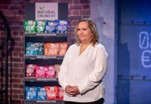 """Timea Hipf bei der Vorstellung ihres neuen Produktes """"PROTEIN CRACKERBREAD"""" in der Puls 4 Start-Up-Show """"2 Minuten 2 Millionen"""" (Bildquelle: PULS 4/Gerry Frank)"""