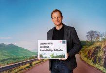 Roland Pfeiffenberger MBA (Managing Director Suzuki Austria) freut sich über die Verlängerung der Kooperation mit den Österreichischen Bundesforsten (Bildquelle: Christian Streili / Suzuki Austria)