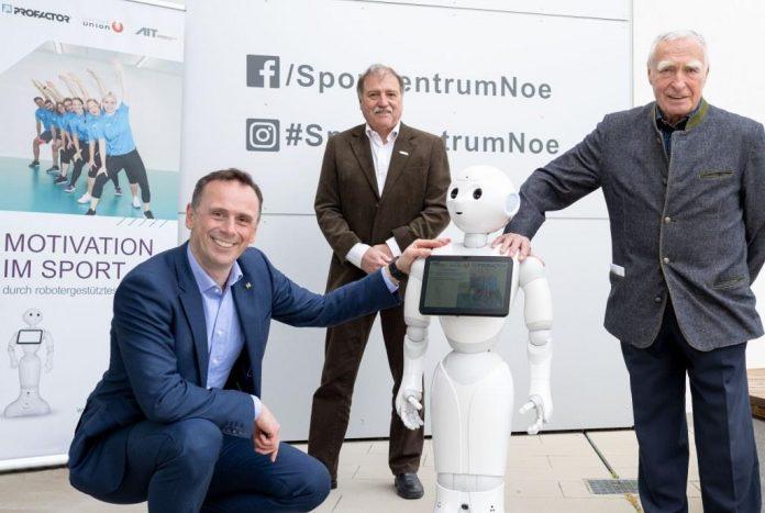 (v.l.n.r.): NÖ-Sportlandesrat Danninger, SPORTUNION-Niederösterreich-Präsident Raimund Hager und Gunnar Prokop (Bildquelle: NLK Filzwieser)