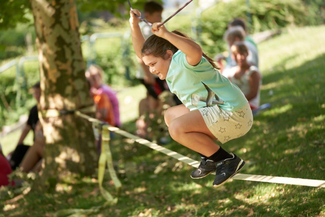 -bergewicht-und-Bewegungsmangel-bei-Kindern-Tut-gut-liefert-wirkungsvolles-Rezept