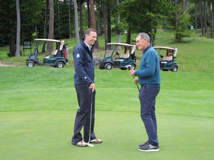 Tourismuslandesrat Jochen Danninger und Franz Wittmann, Geschäftsführer des Golfplatzes Adamstal (Bildquelle: Gabriele Moser )